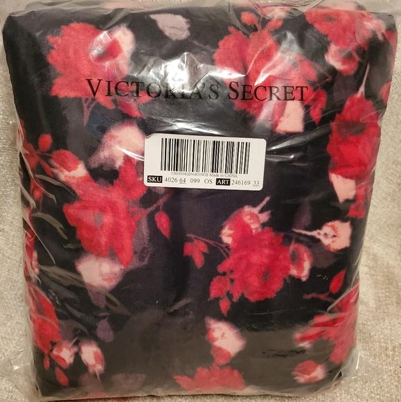 Victoria's Secret Other - Red Rose Plush Fuzzy Victoria Secret Blanket